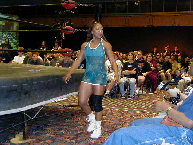 This match featured 2 women wrestlers (recommended).
